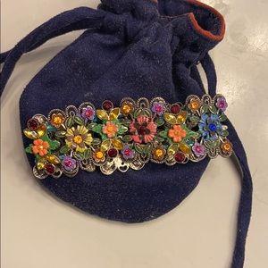 Jewelry - Beautiful floral gem bracelet